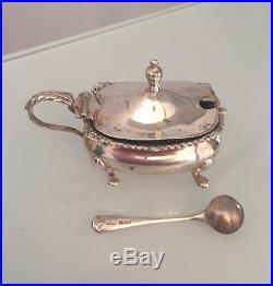 A Lovely Silver 5 Piece Table Set, Salt & Pepper, Mustard Pot & Spoon & 2 Pots