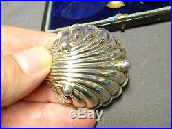 Antique Cased Victorian Sterling Silver Scallop Shell Salt Cellars & Spoons x 4