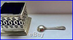Antique solid silver pepper shaker and salt, Joseph Gloster 1902