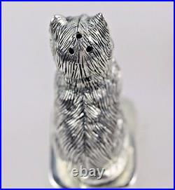 Silver Cats Salt And Pepper With Emerald Eyes