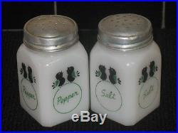 Super Rare Tipp City Blackbird Milkglass Salt & Pepper Shakers Range Set Antique